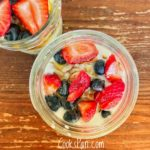 Overnight oats with Berries and Almonds